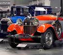 Μουσείο Αυτοκινήτου & Οδήγηση Formula 1 για 4 άτομα