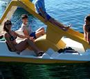 60΄ Ποδήλατο θαλάσσης με τσουλήθρα για έως 4 άτομα!