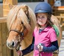 60΄ γνωριμία και βόλτα με pony για 1 παιδί 3 έως 12 ετών!