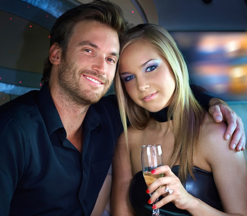 Private limo with sparkle wine and red roses - 1 έως 3 ώρες!